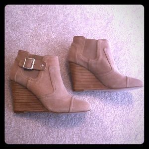 Sole Society Heather wedge booties